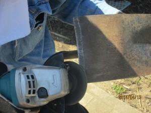 マキタグラインダー平鍬を削る2